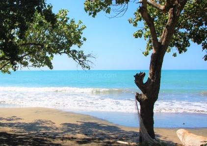 Einsamer Strand bei Treasure Beach Jamaika