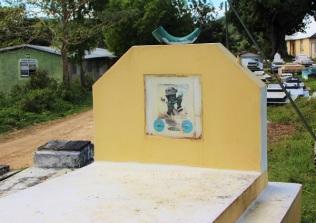 Grab eines Abeng-Bläsers